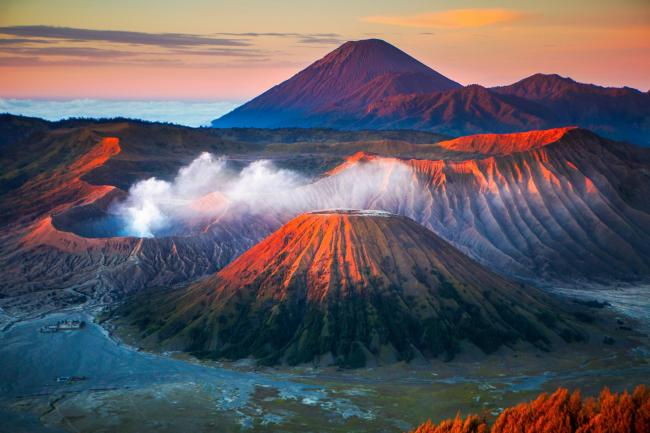 UNESCO Youth Eyes on the Silk Roads Photo Contest, Landscape.  © Kanjanee Chaisin.  Mount Bromo, East Java, Indonesia.